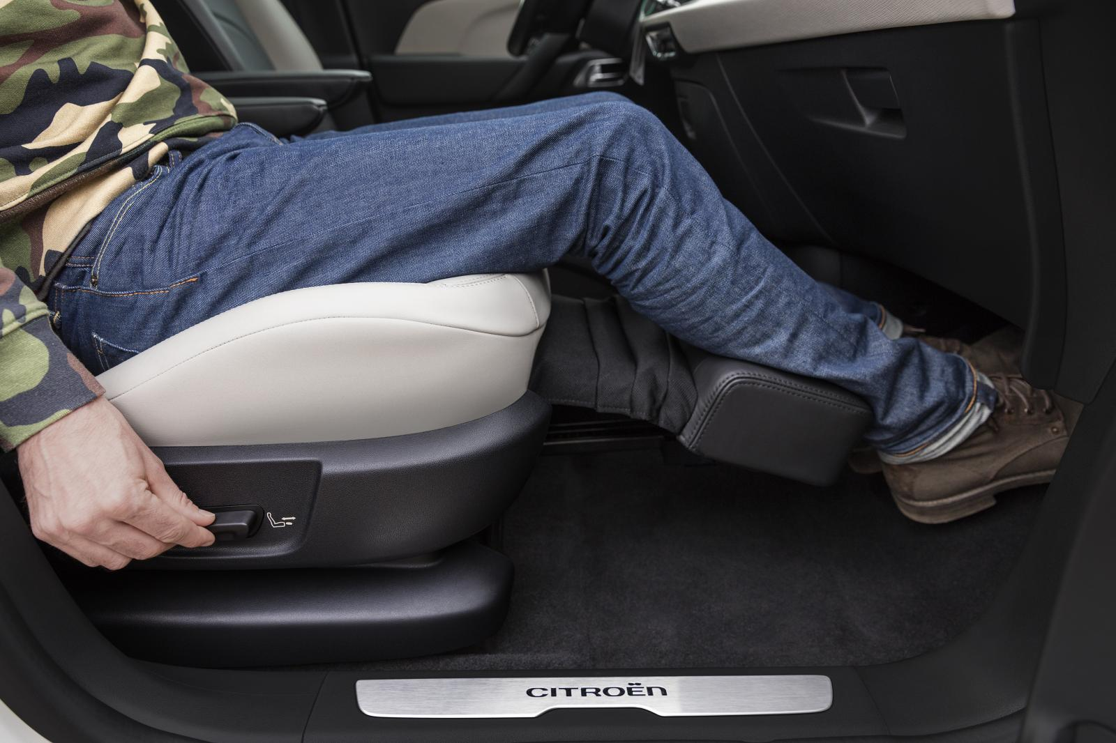Grand C4 Picasso Shine 2016 pack lounge repose pieds